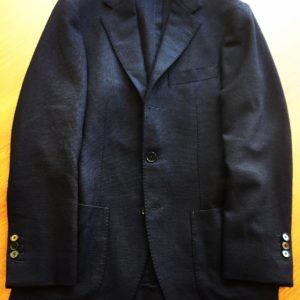 EDIFICEで買ったロロピアーナの生地を使ったネイビージャケットの、ウエストがきついのでウエスト出しのお直し