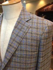 カノニコのジャケット生地は何と言っても「チェック柄」がすごく良いです!