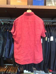 赤色が素敵な既製品のシャツの着丈を詰め!(出して着る用)