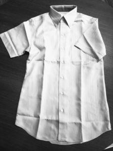 ユナイテッドアローズ(グリーンレーベル)の半袖シャツの身幅調整のリフォーム事例。