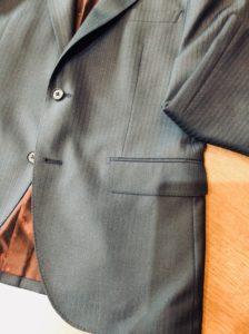 ゼニアスーツのデザイン水平ポケット