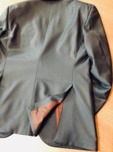 ゼニアの生地で作ったスーツのベントデザイン