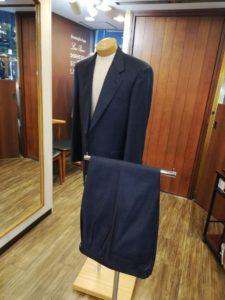 ロロピアーナの素材で108,000円+税でスーツの上下が作れます。(品番数・在庫数に限りがあります)