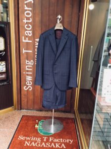 オーダースーツ事例。マウリツィオの生地で70,000円+税のケース。横浜ナガサカ