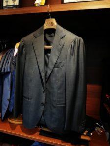 リングジャケットのスーツの上着のお直し事例(胸回り)。横浜ナガサカ