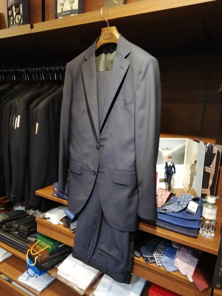 スキャバルの生地を使ったオーダースーツ事例 ¥145,000+税