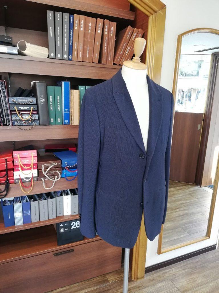 ジョルジオアルマーニのジャケットの袖丈調整のリフォーム事例